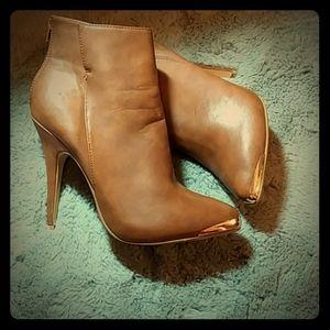 Shoes - Size 8.5
